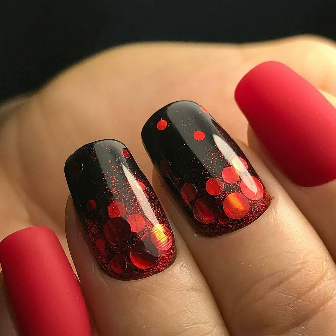 красно-черый маникюр