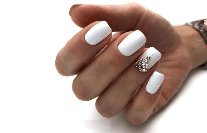 выкладка страз на ногтях варианты