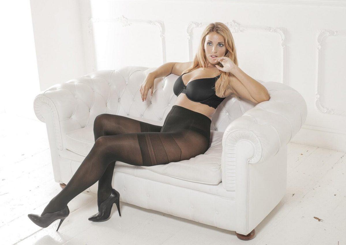 женские ножки в прозрачных чулках возрасте фото версия нашего
